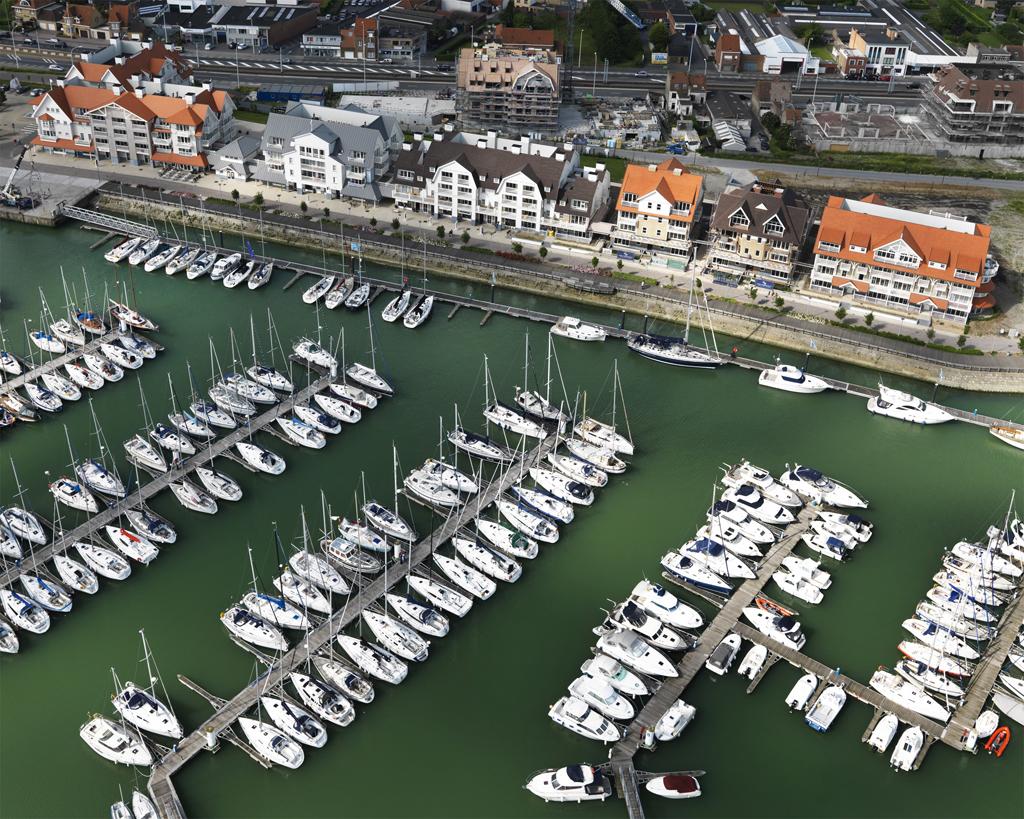 Van Tornhaut - Storms Harbour : Project Waterfront - Bouwen van 6 residenties (Nantucket, Southampton, Key Largo, Newport Bay, Bermuda en Sea Side) te Nieuwpoort